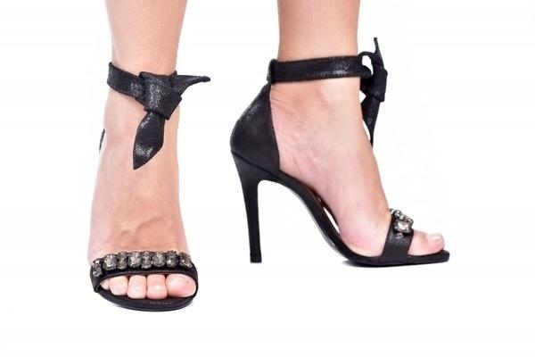 Loja virtual especializada em sapatos de numeração especial. Sapatos femininos adultos pequenos sapatos pequenos sapato especial calçados 30 31 32 33 Sapatos femininos pequenos. Numeração especial