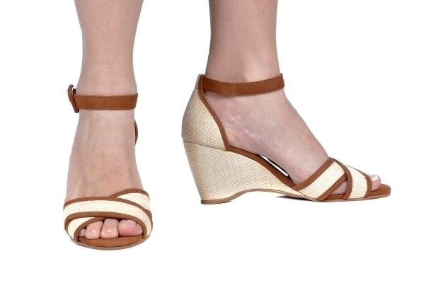 d674420574 Anabela Palha Marrom - Tamanhos  30 - 31 - 32 - Ftérna - sapatos ...